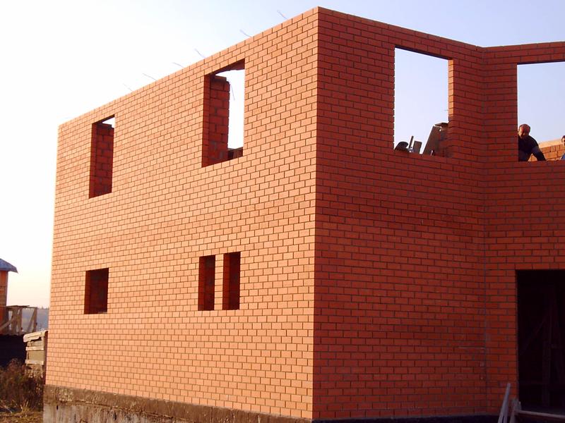 Как построить дом из кирпича двухэтажный своими руками недорого